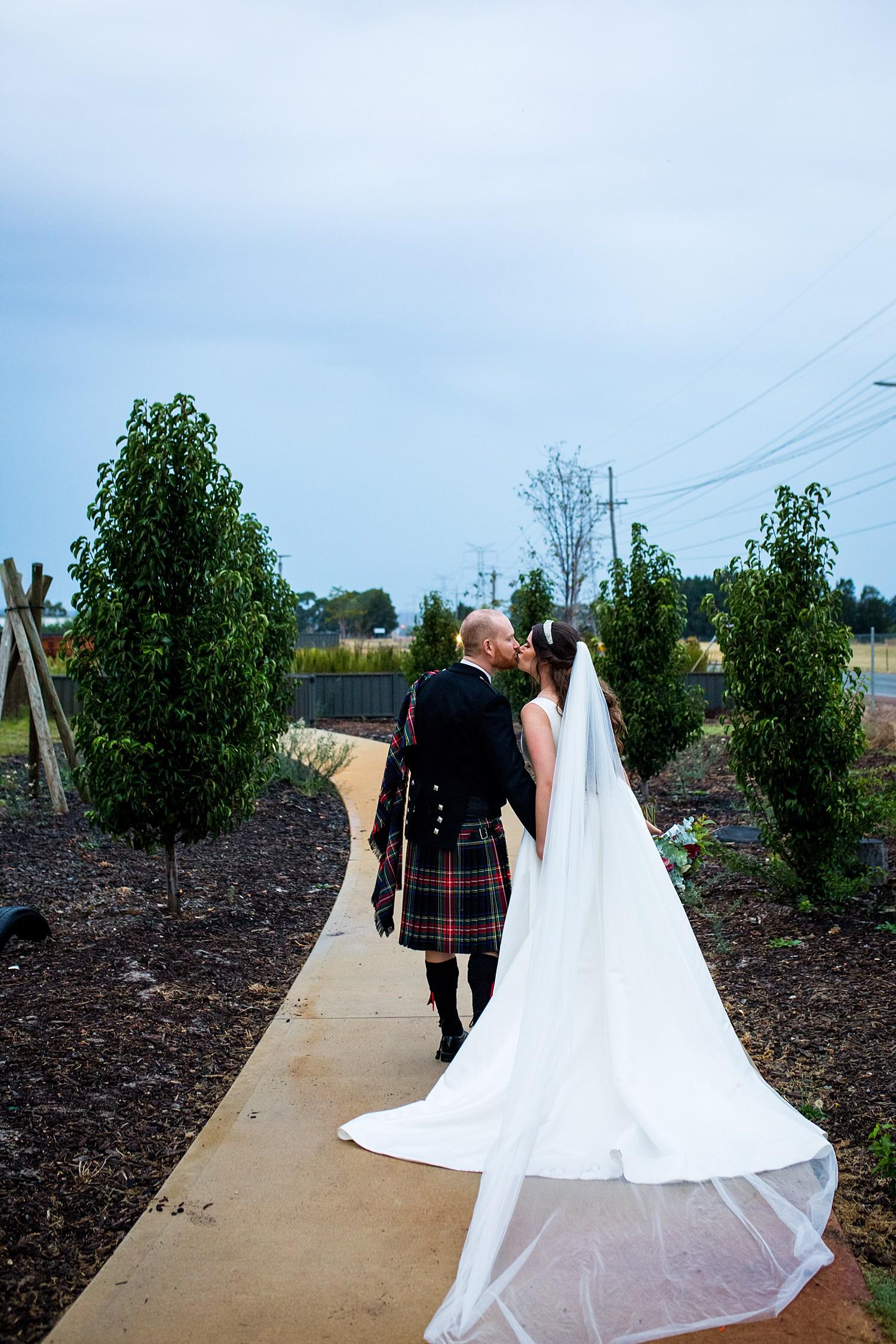 perth_swan_valley_scottish_rainy_wedding_0101.jpg