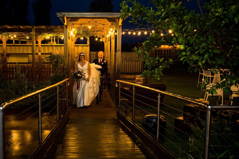 perth_swan_valley_scottish_rainy_wedding_0115.jpg