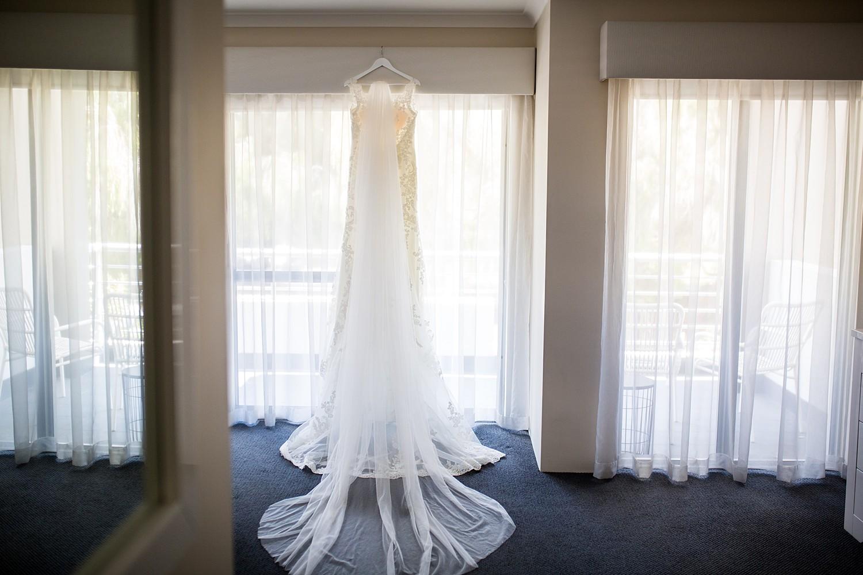 perth_winter_church_wedding_scarborough_rendezvous_0004.jpg