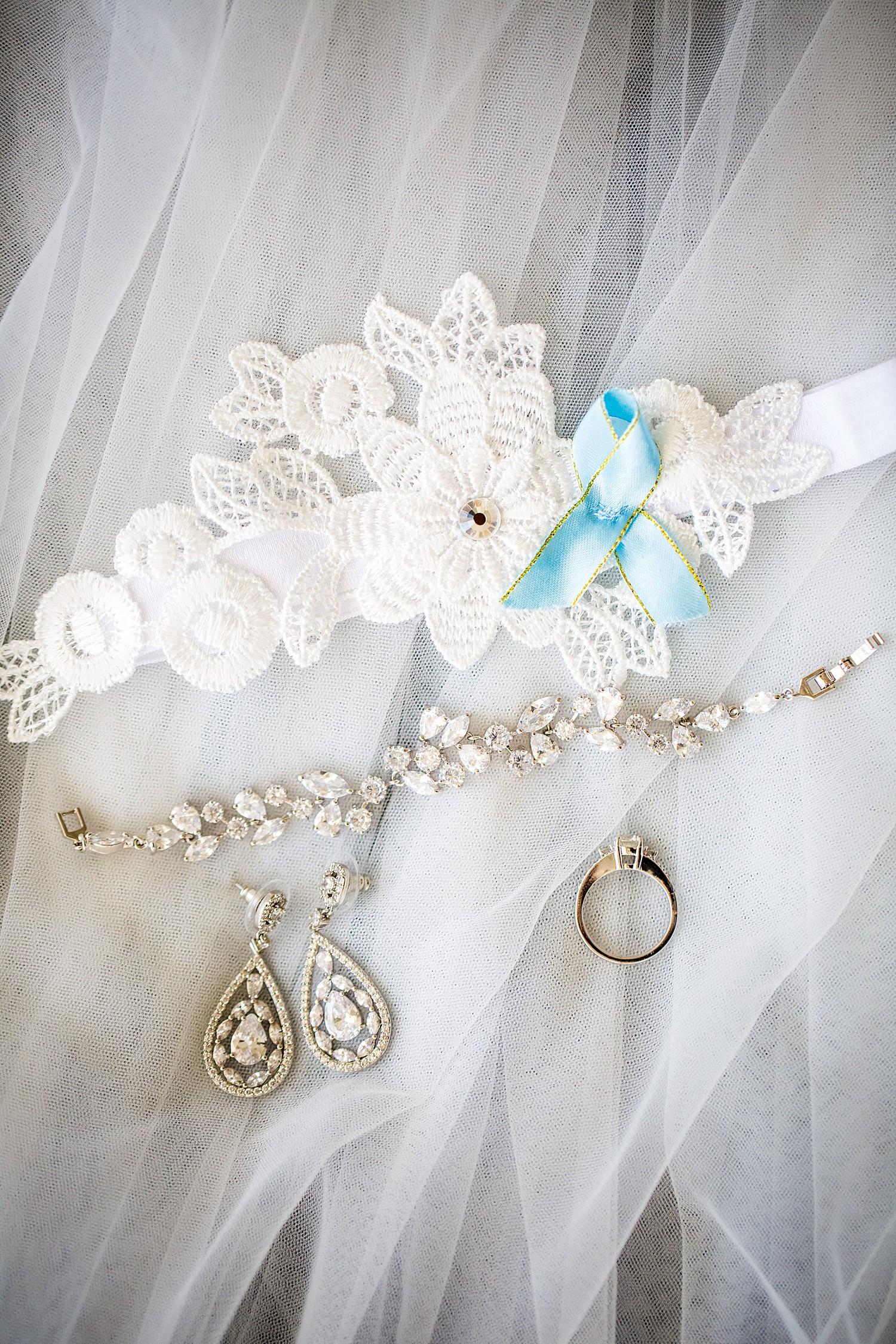 perth_winter_church_wedding_scarborough_rendezvous_0007.jpg