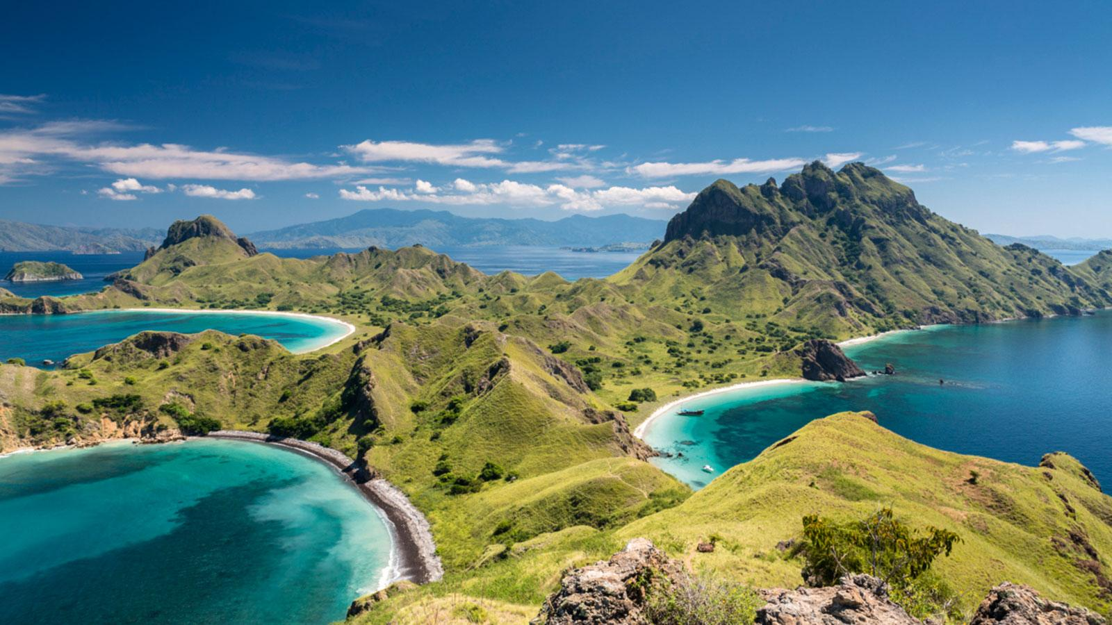 UNESCO World Heritage Komodo National Park:home to volcanic beauty and unparalleled ecosystems