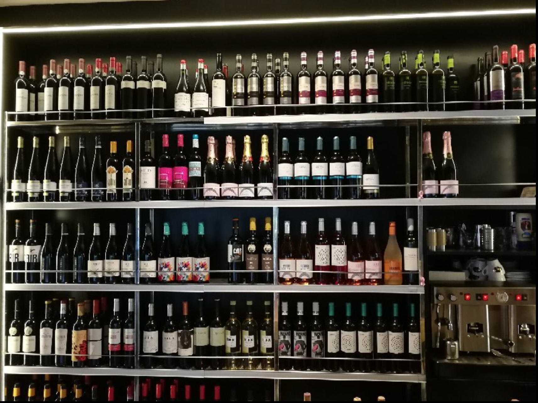Above: All about the vino: find Gastrobar Gusto inside the local market in Santa Cruz.