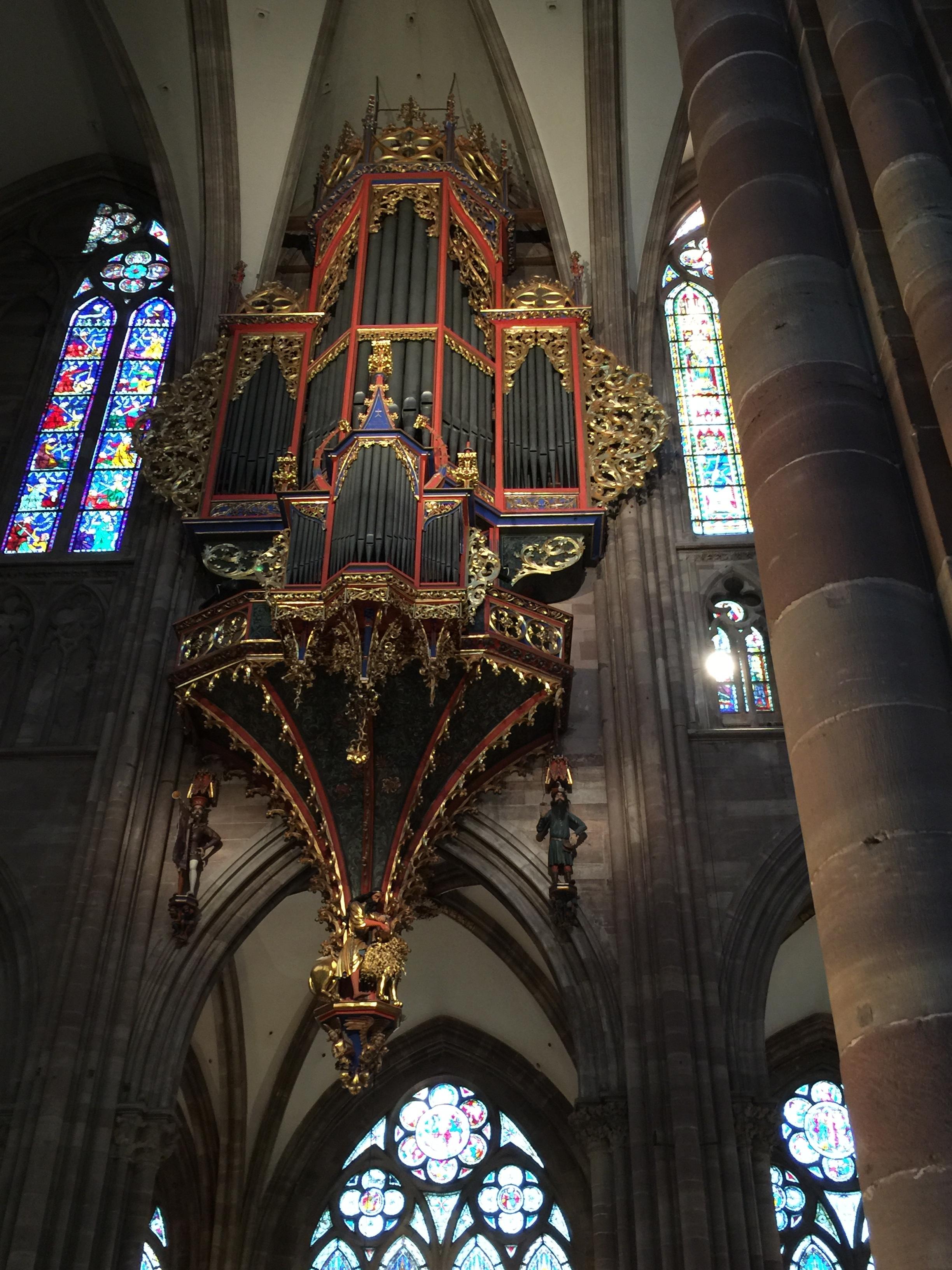 orgue de nef.JPG