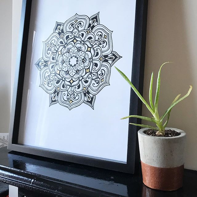 I'm having a bit of a clear out and still have quite a few mandala prints... I'm wondering what's the best way to get rid of them? I struggle to compete with the masses on Etsy. Maybe a flash sale on social would work? I think I'll sell them cheap... £5-10... let me know if anyone would be interested? 🙏🏻 #printsale #etsysellersofinstagram #mandala #mandalaartforsale #mandalaart #smallbusinessuk #smallbizbristol #buylocal #advicewelcome