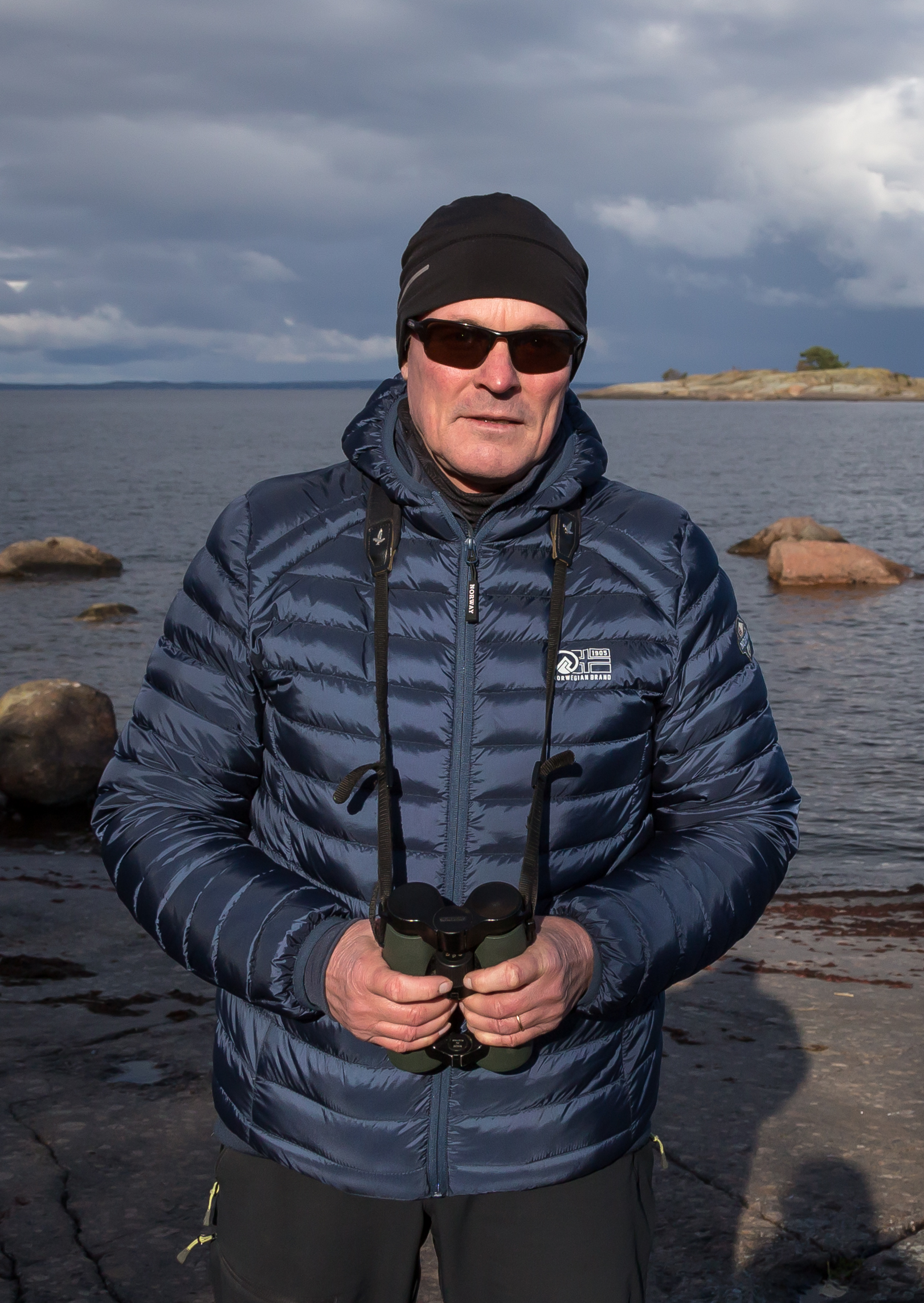 Jonas Häggblom:Sett på fåglar sedan mitten av 1970-talet. Fotograferat fåglar aktivt sedan början av 1980-talet. Verkat som ordförande för Östra Nylands fågel- och naturskydds-förening sedan slutet av 1990-talet. -