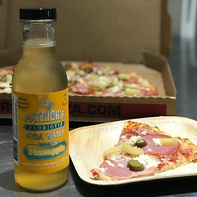What goes great with @backroadpizza Hawaii 505 pizza? Our #probiotic pineapple #sparklingwater of course #drinkpatricks #santafe #nmtrue
