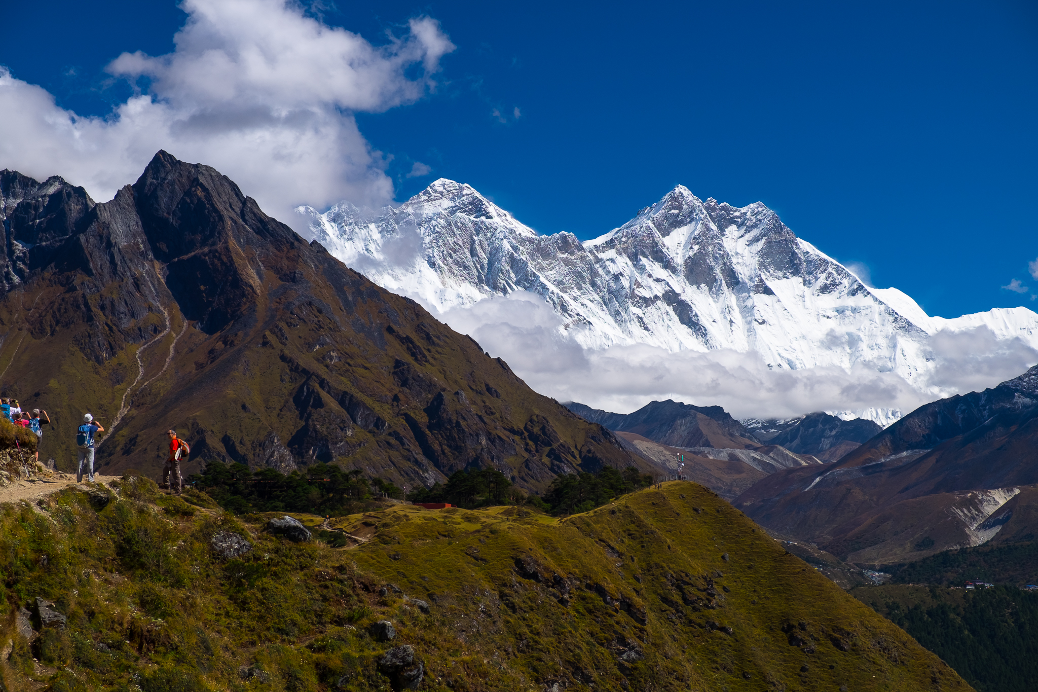 Everest (8,848m) on the left, Lhotse (8,414m) on the right.