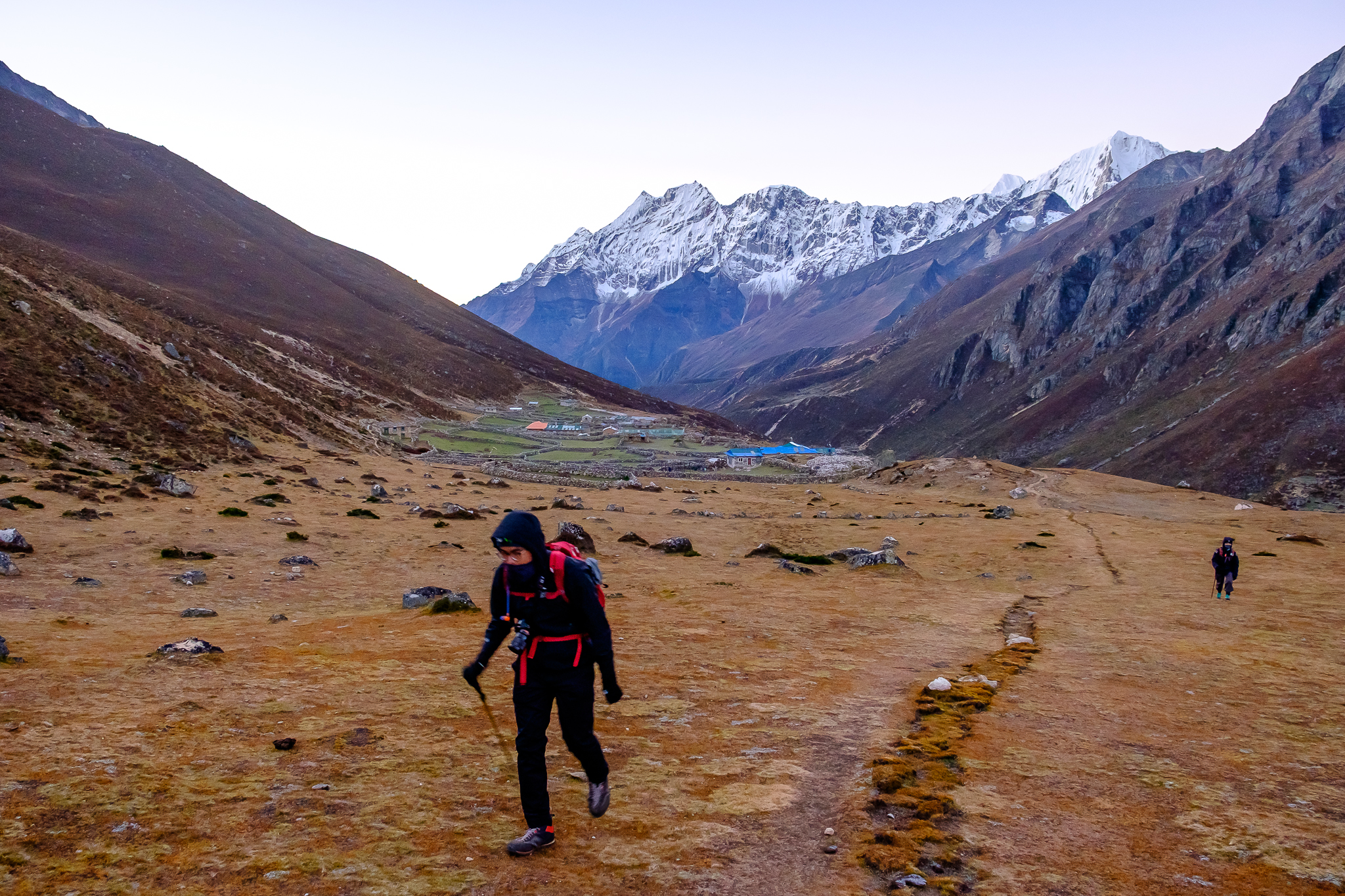 Looking back at Lunde. There is no villages between here and Gokyo.
