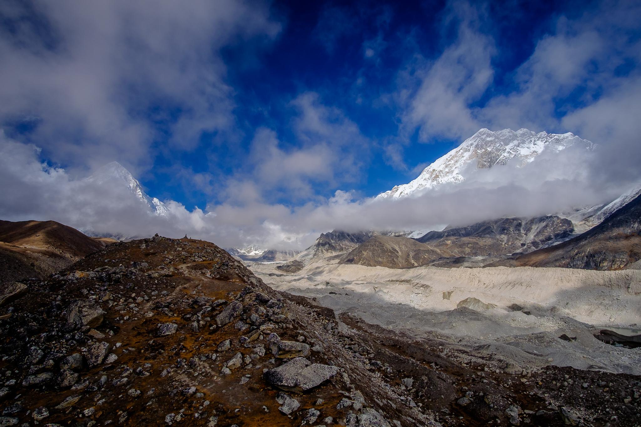 Khumbu Glacier and the Lhotse/Nuptse mountain cluster