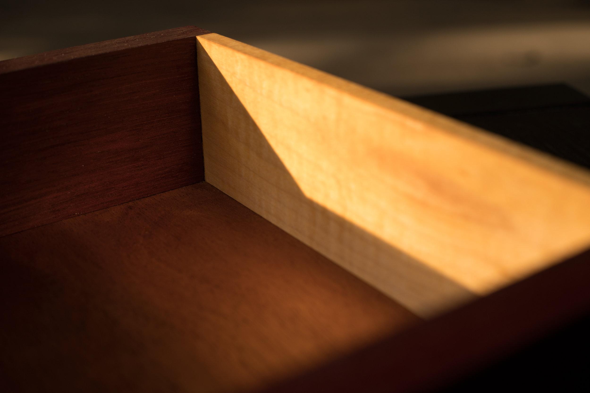 BOX_2.jpg