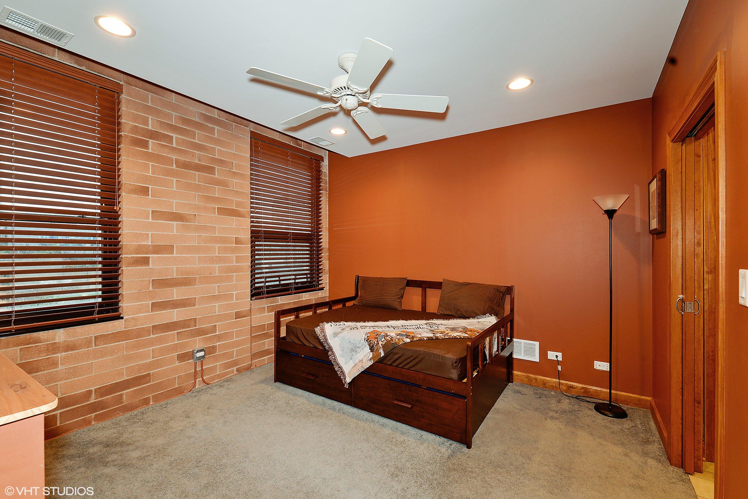 7_742LasalleSt_18_Bedroom_HiRes.jpg