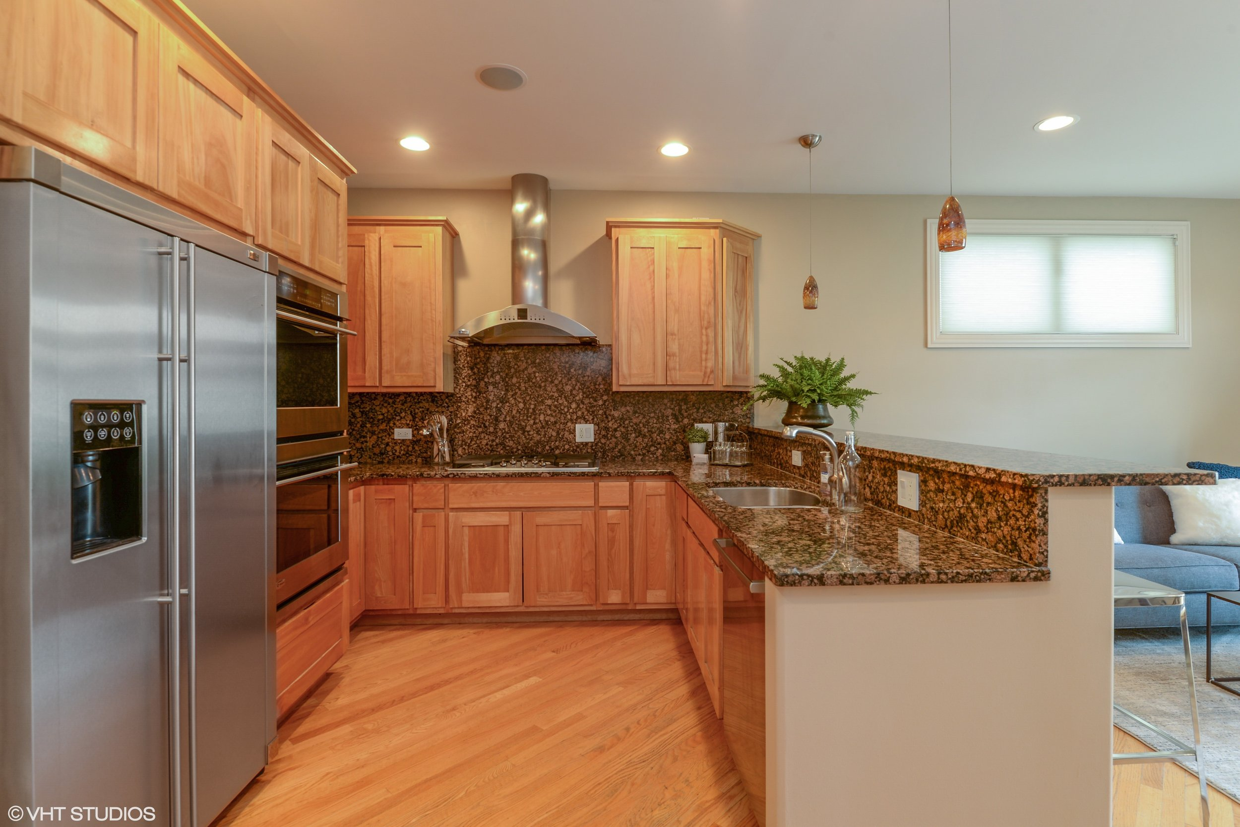05_2041NWhipple_5_Kitchen_HiRes.jpg