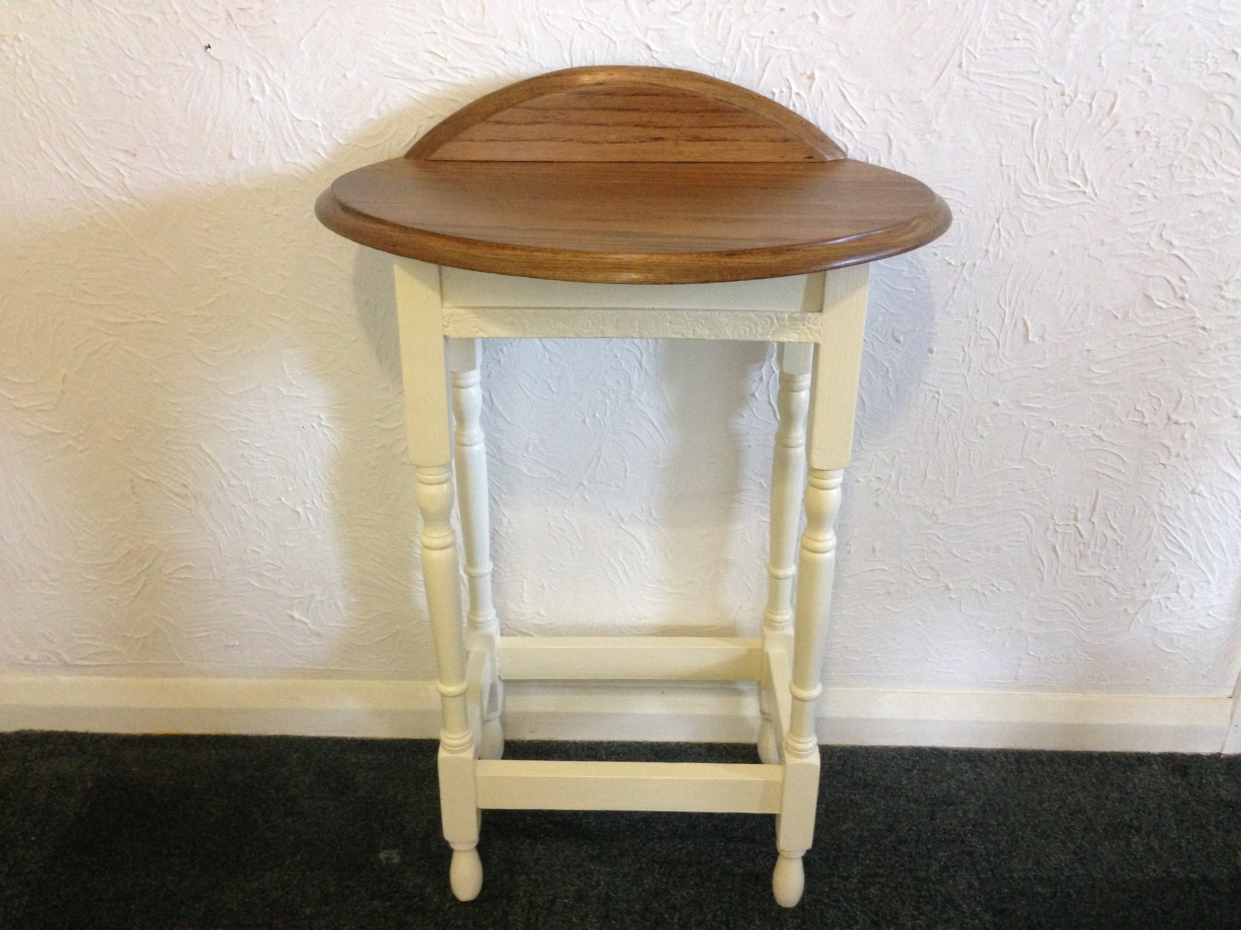 After Restoration of Oak Dressing Table   The table top was badly split and the client wanted the piece to be made for a new purpose of a small dressing table.