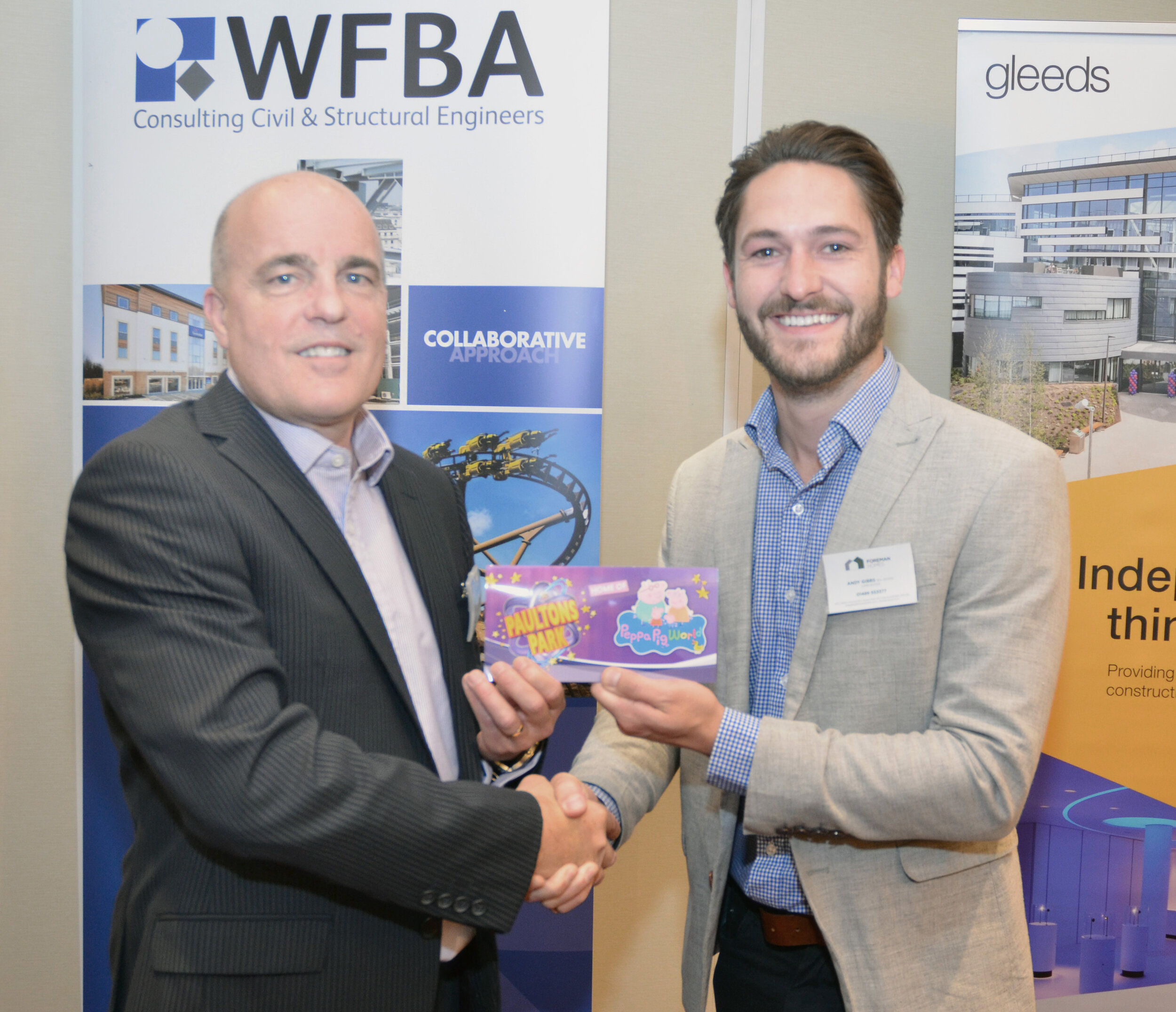 WFBA director Nick Groves presenting the prize to Andy Gibbs of Foreman Homes.