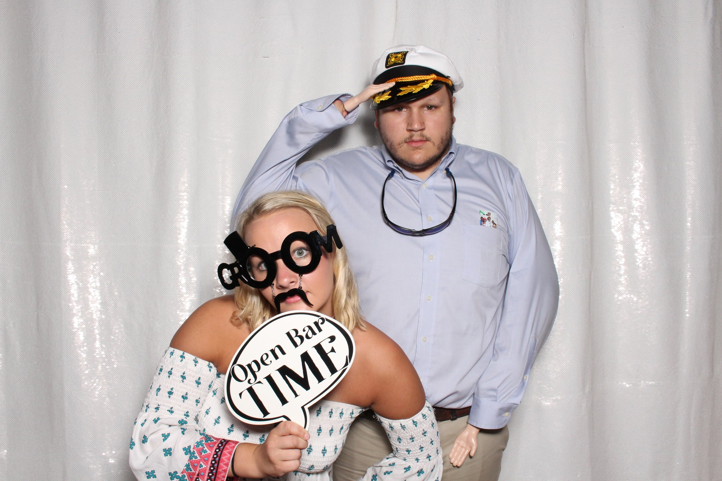 gore wedding off the wall photo booths.jpg