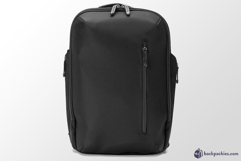 booq-backpacks-similar-to-everlane-alternative.jpg