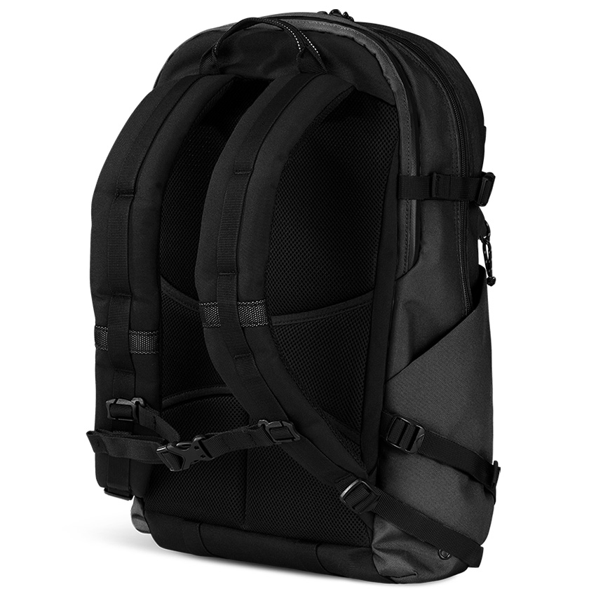 Ogio-convoy-320-backpack-review-03.jpg