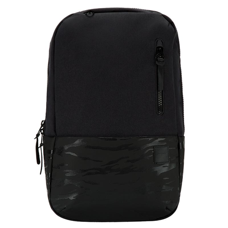 incase-compass-backpack-01.jpg