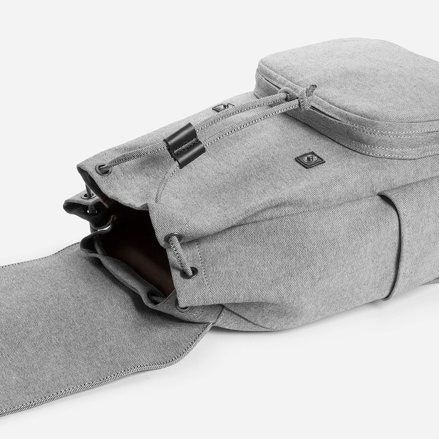 everlane-modern-snap-backpack-02.jpg