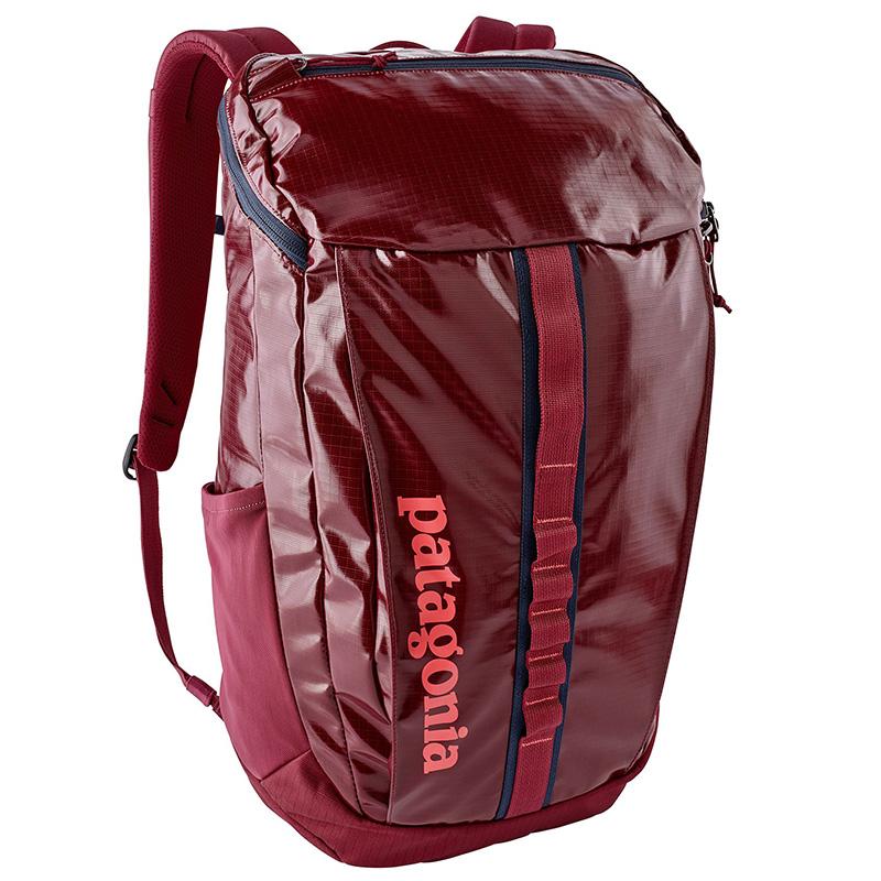 Patagonia-black-hole-backpack-25L-01.jpg