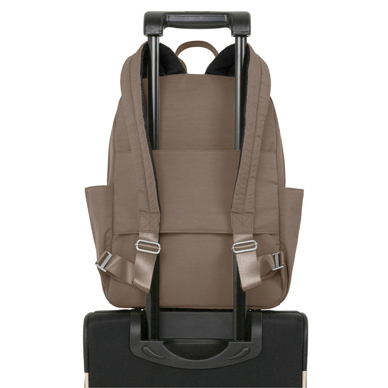 baggallini-essential-womens-laptop-backpack-05.jpg