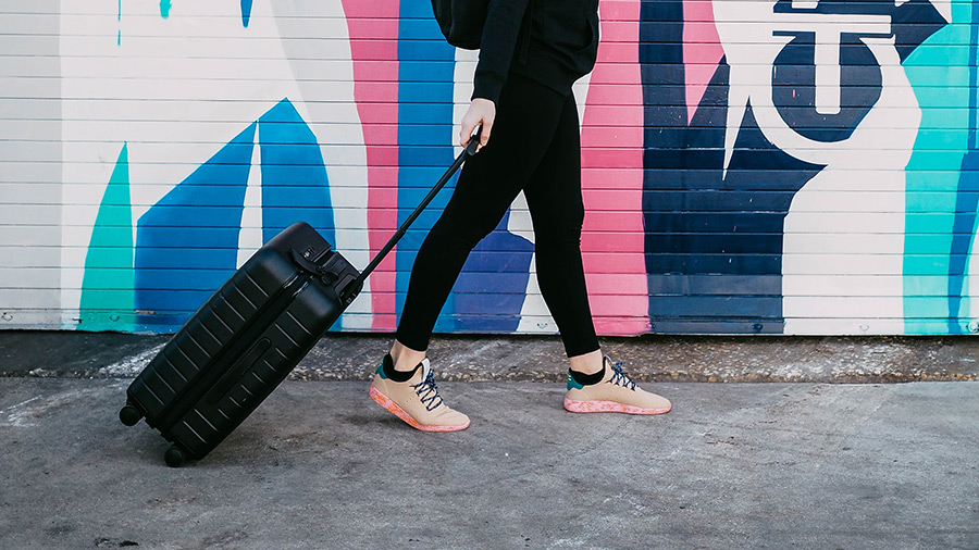 Picking best luggage for teenage girl