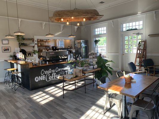 Station Coffeehouse - Locally sourced and crafted with love, Station Coffeehouse sells several local tea and coffee brands as well as artwork and pottery from surrounding artisans.