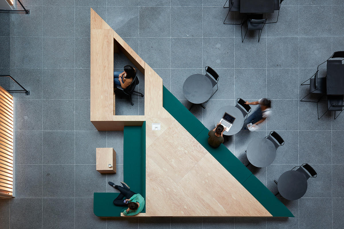 Airbnb Headquarters 2 Shared Desks