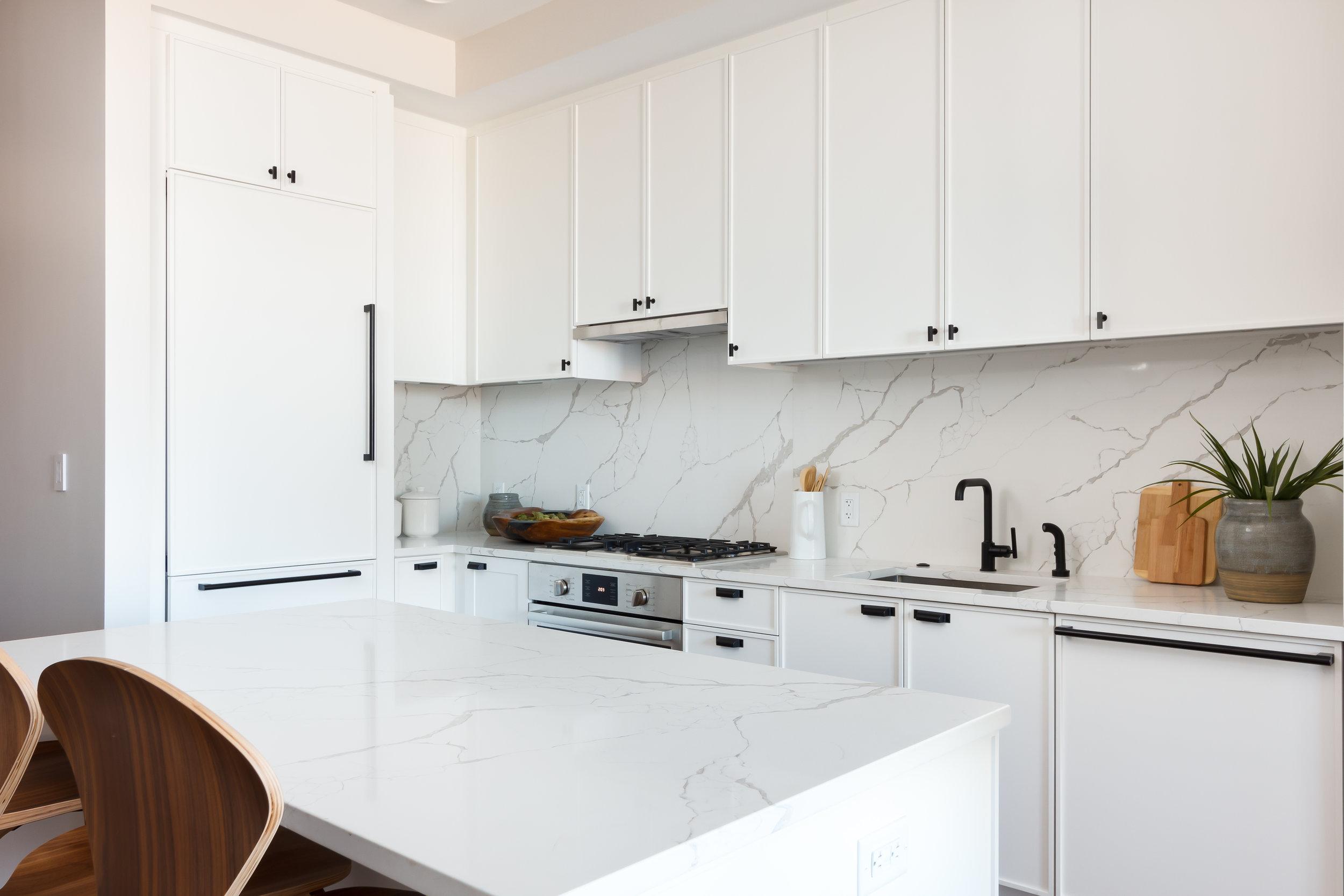 09 Unit 406 Kitchen 2018 (1).jpg