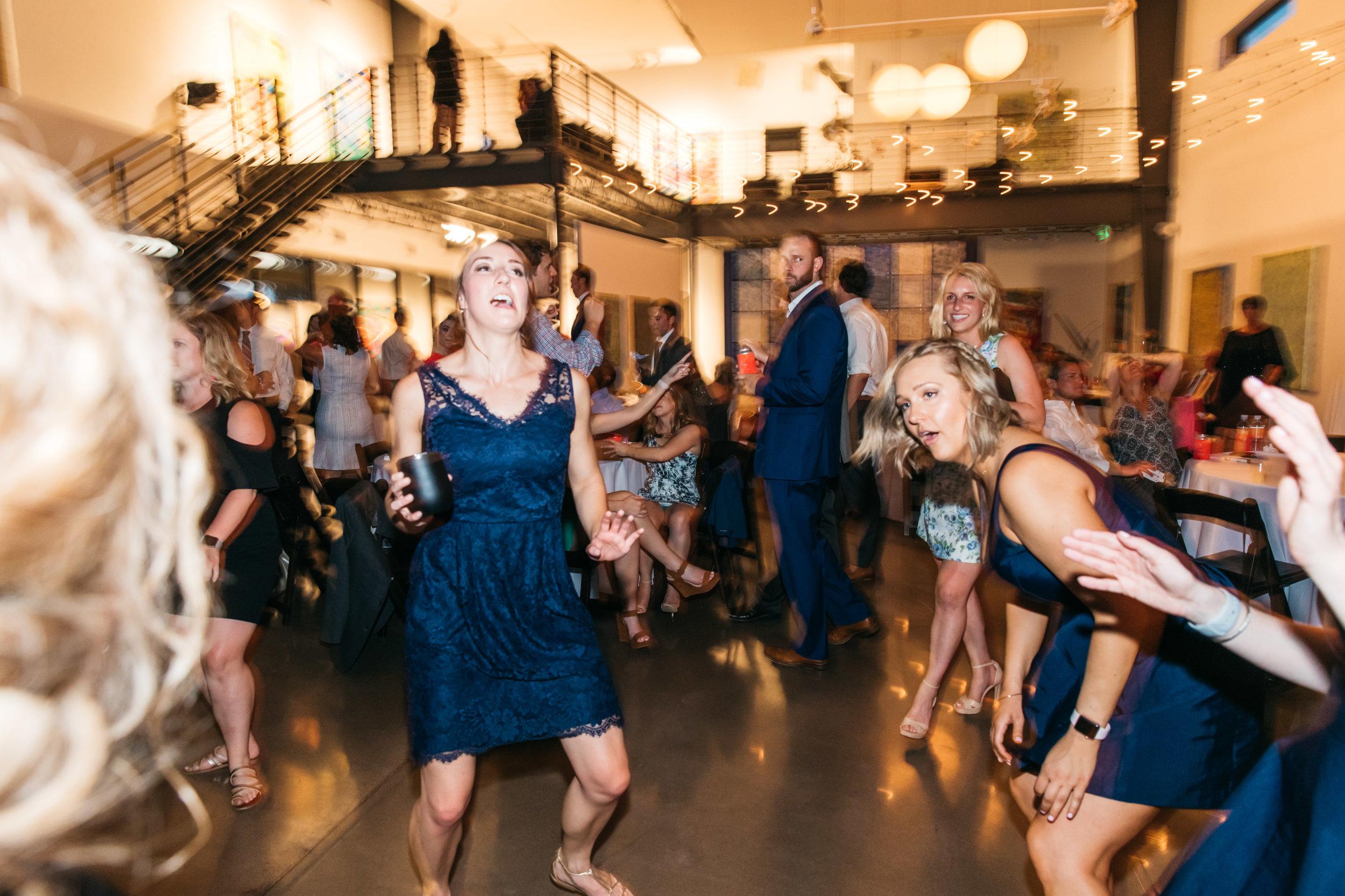 wedding photographer fun dancing photos
