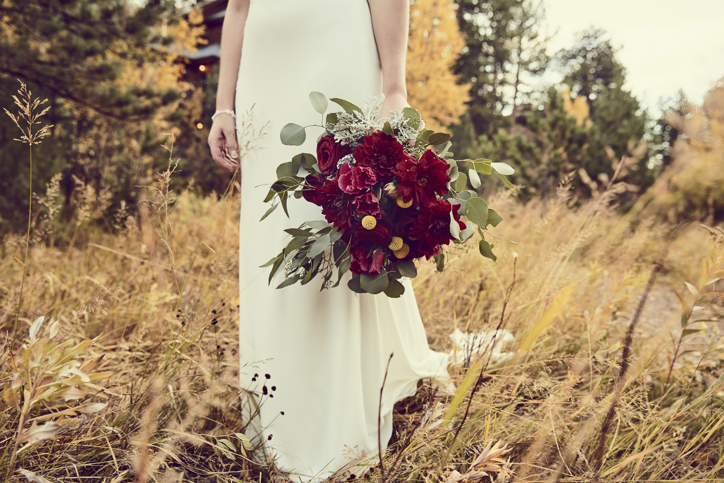Estes Park AirBnB Wedding - Fall Colors | Pears | Fall River Lodge | Vintage Hair Pin