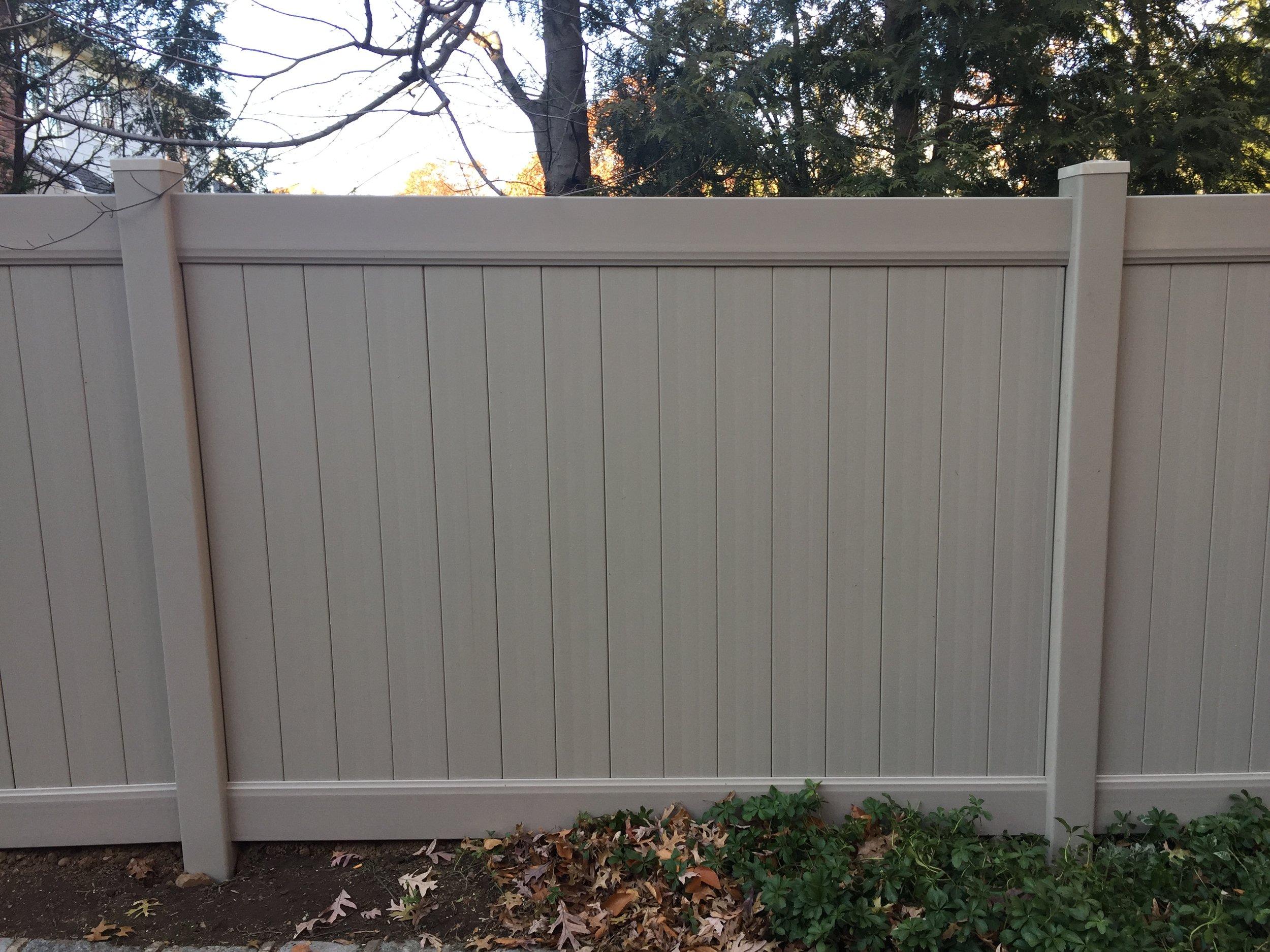 Clay vinyl fence NJ