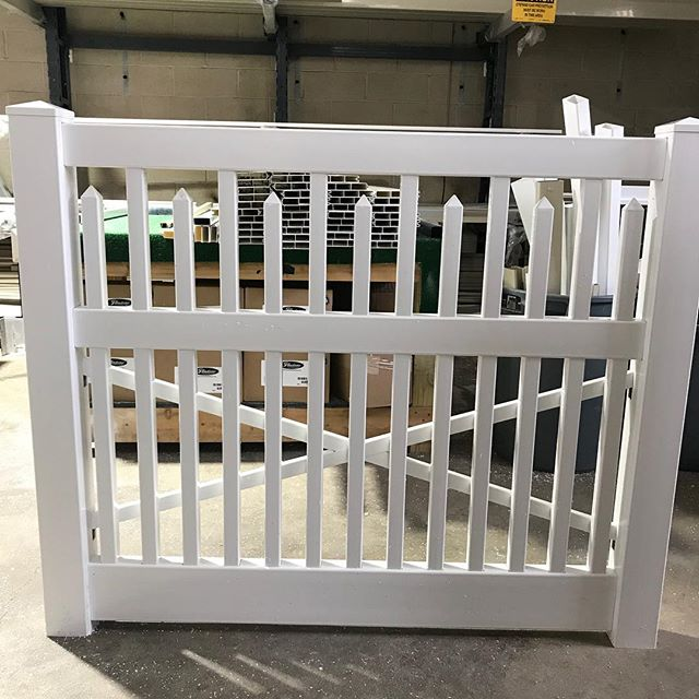 New #vinylfence style made at our factory @directfence #vinyl #fence #nj #newjersey #new #style #design #build #carlstadt #carlstadtnj