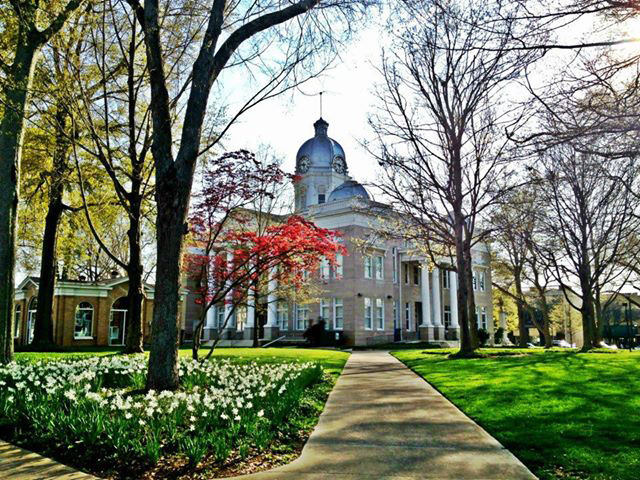 Cleveland County Courthouse, Shelby NC - Home of the Earl Scruggs Center