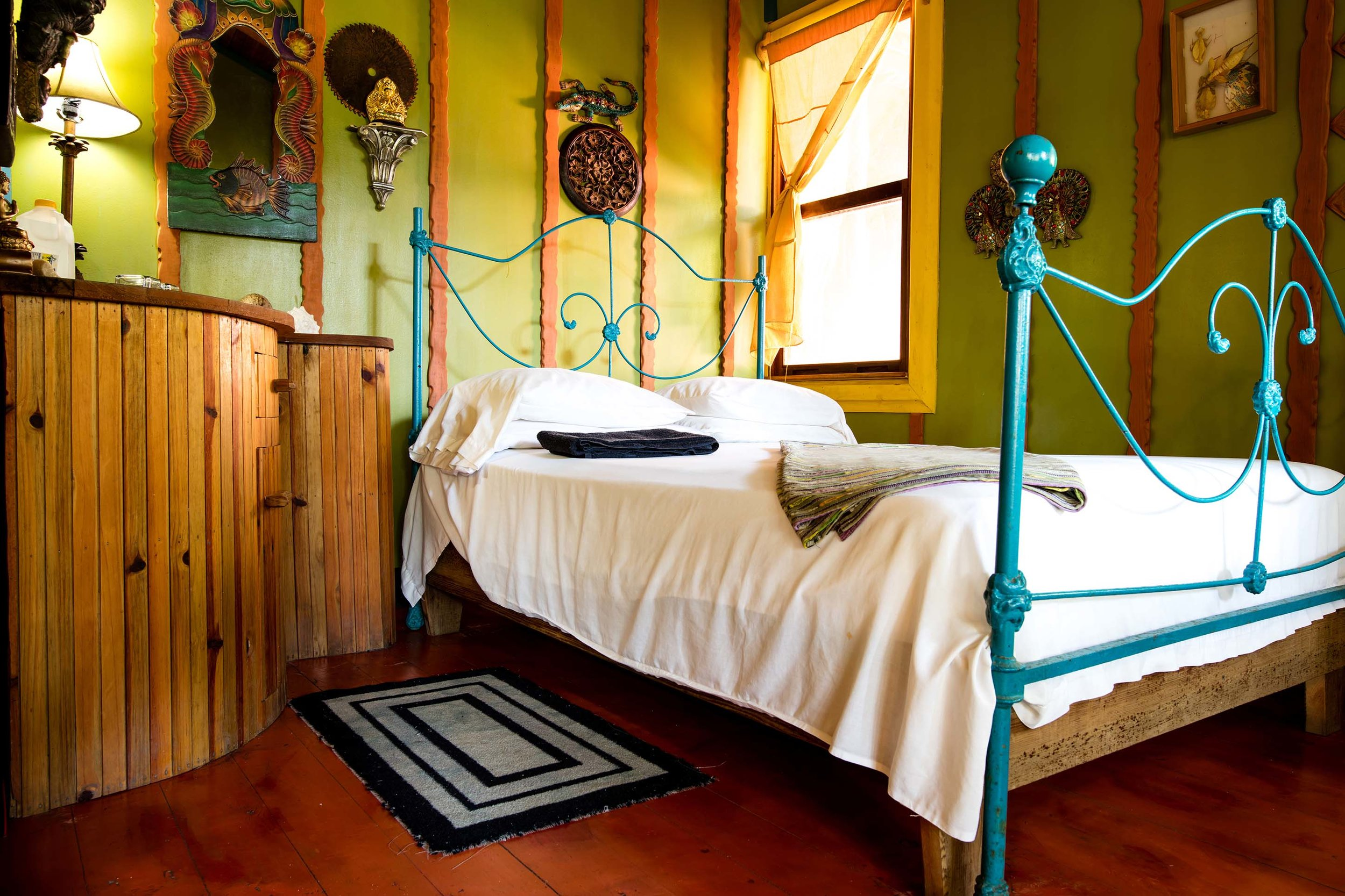Warm lighting & romantic accommodations