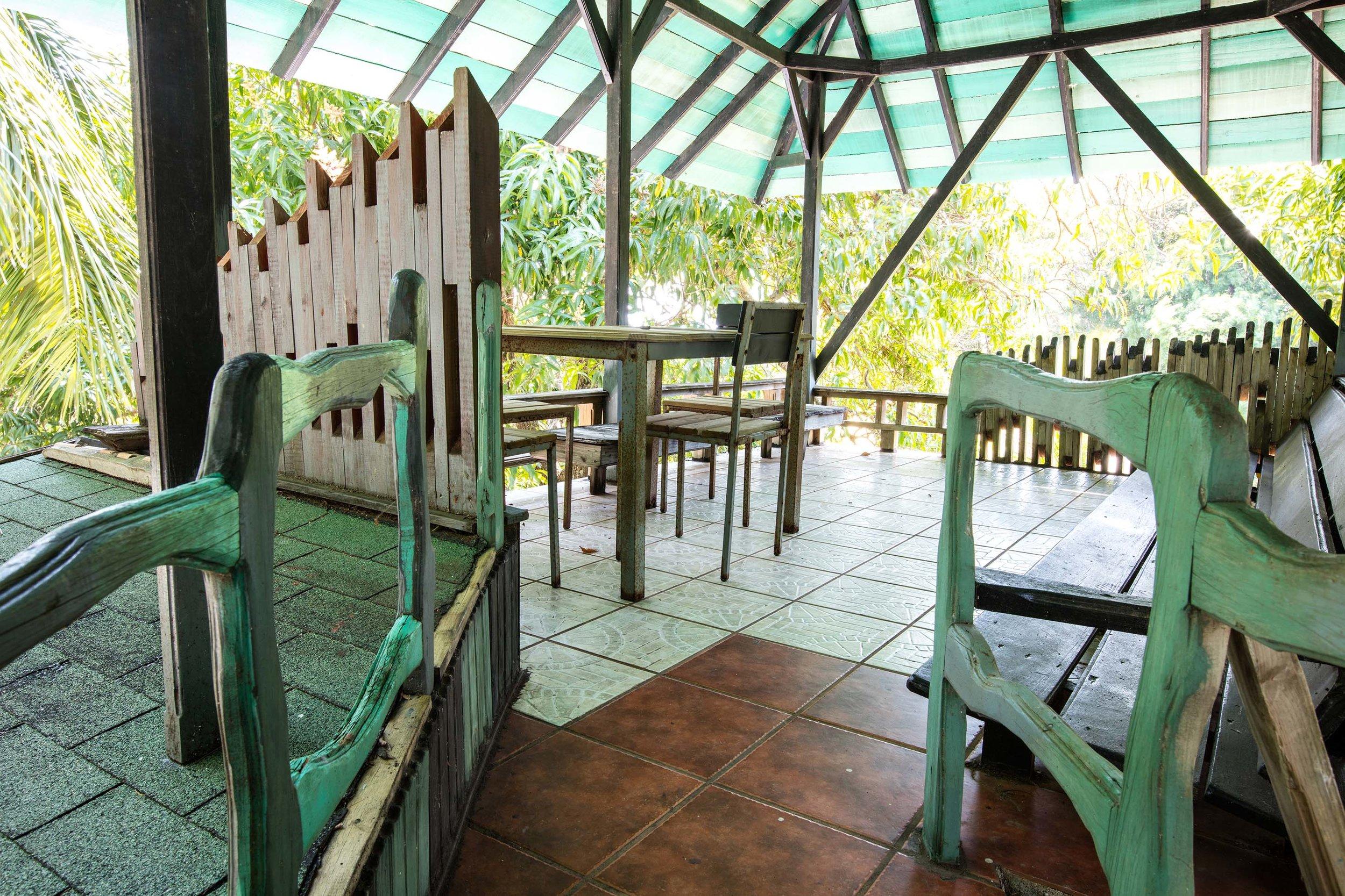 Doble terrazas son el lugar ideal para pasar tiempo en el sol.