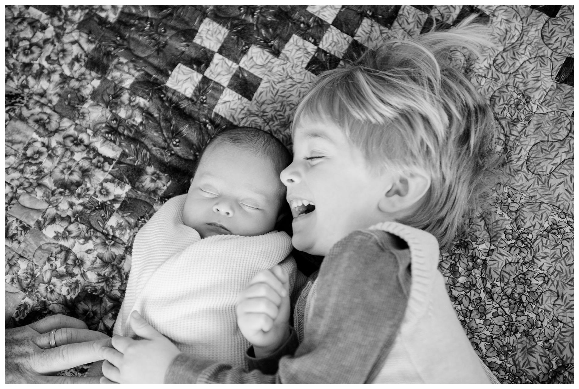 Newborn-Photographer-Sweet-Light-Portraits04.jpg