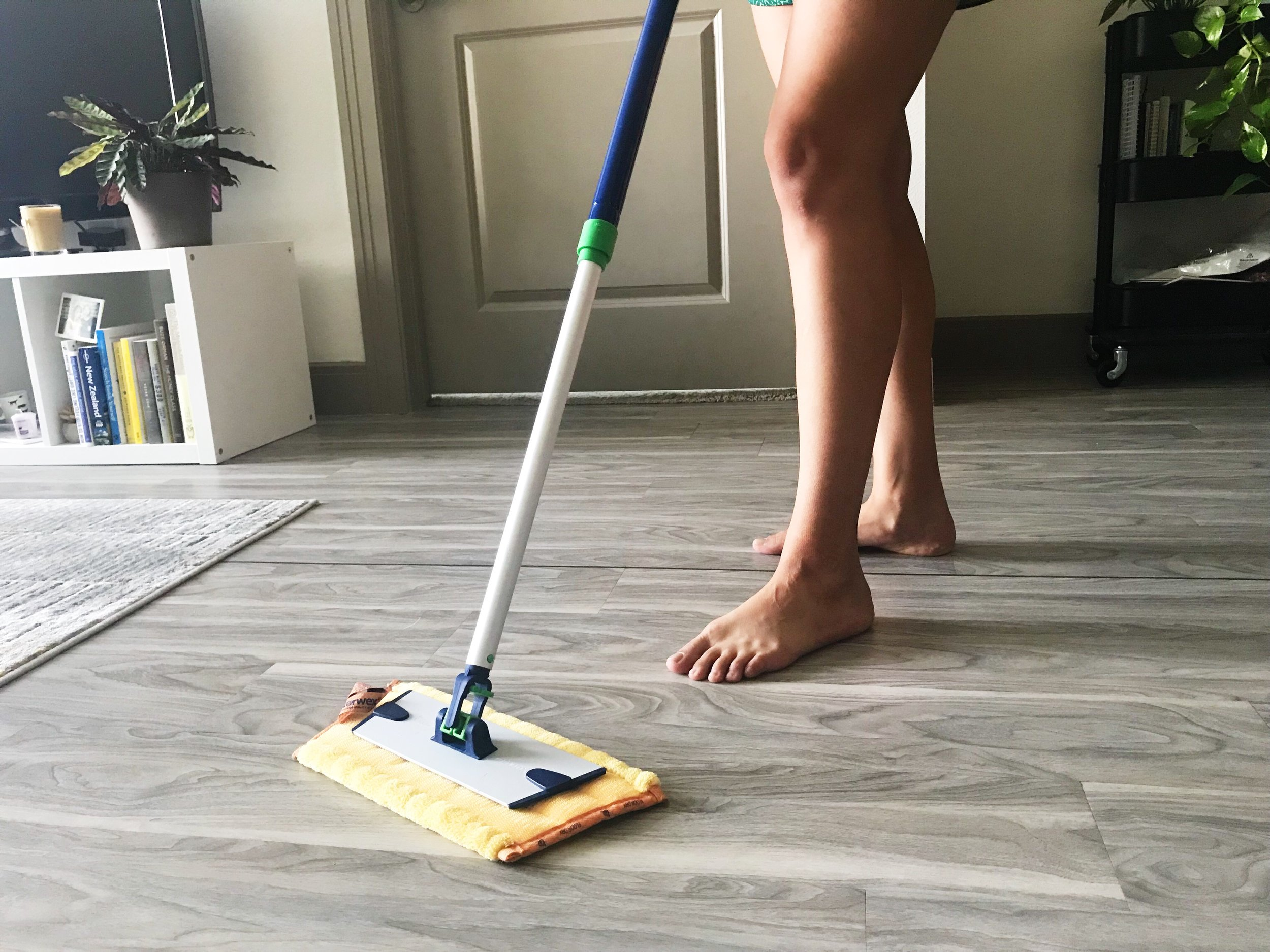 Keep your home clean and tidy by cleaning the floors with Superior Mop Collection every morning. #cleanroutine #tidyhome #cleaningchecklist