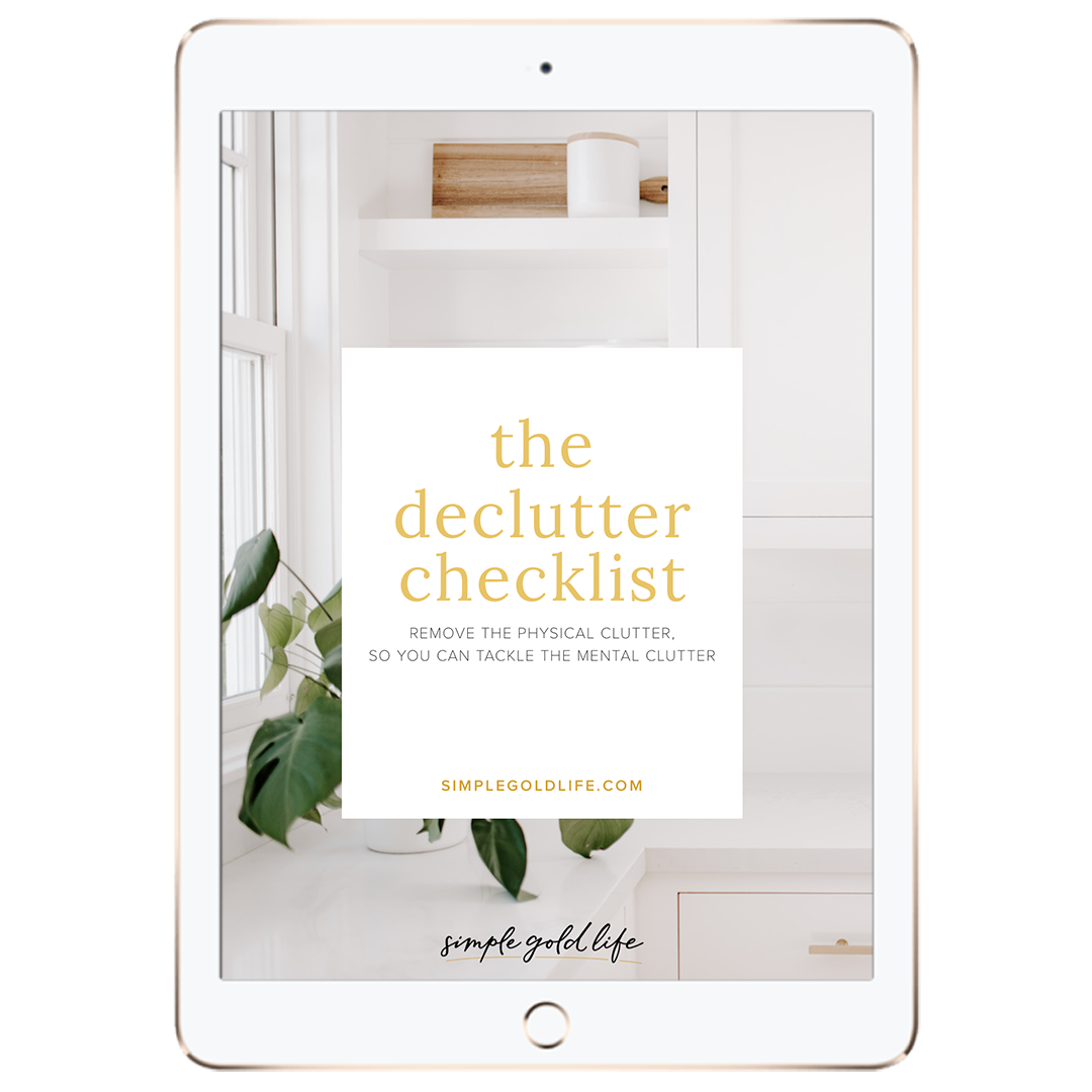 the-declutter-checklist-download_SimpleGoldLife.com.png