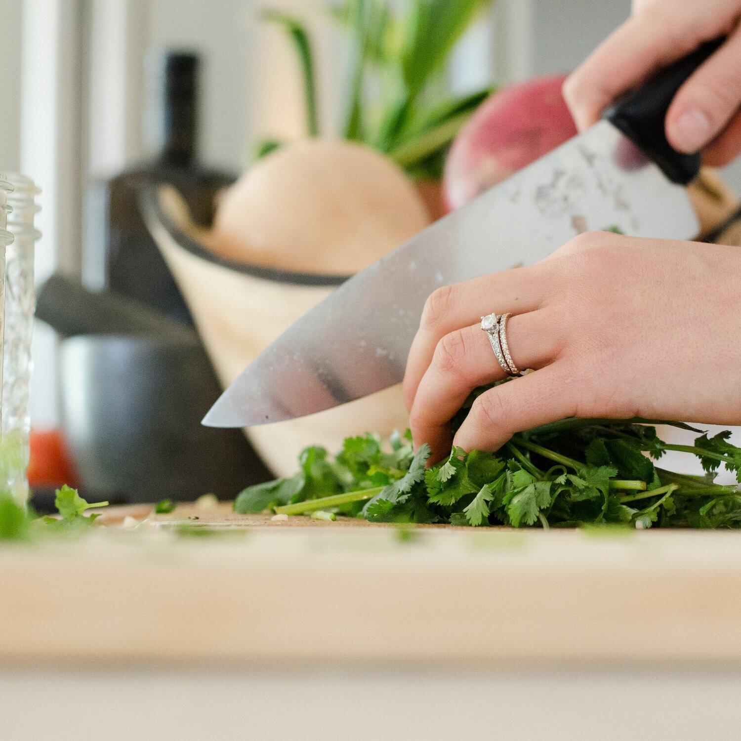 WANT TO SIMPLIFY COOKING? - Get 3 Meals Free On Your First Blue Apron Order