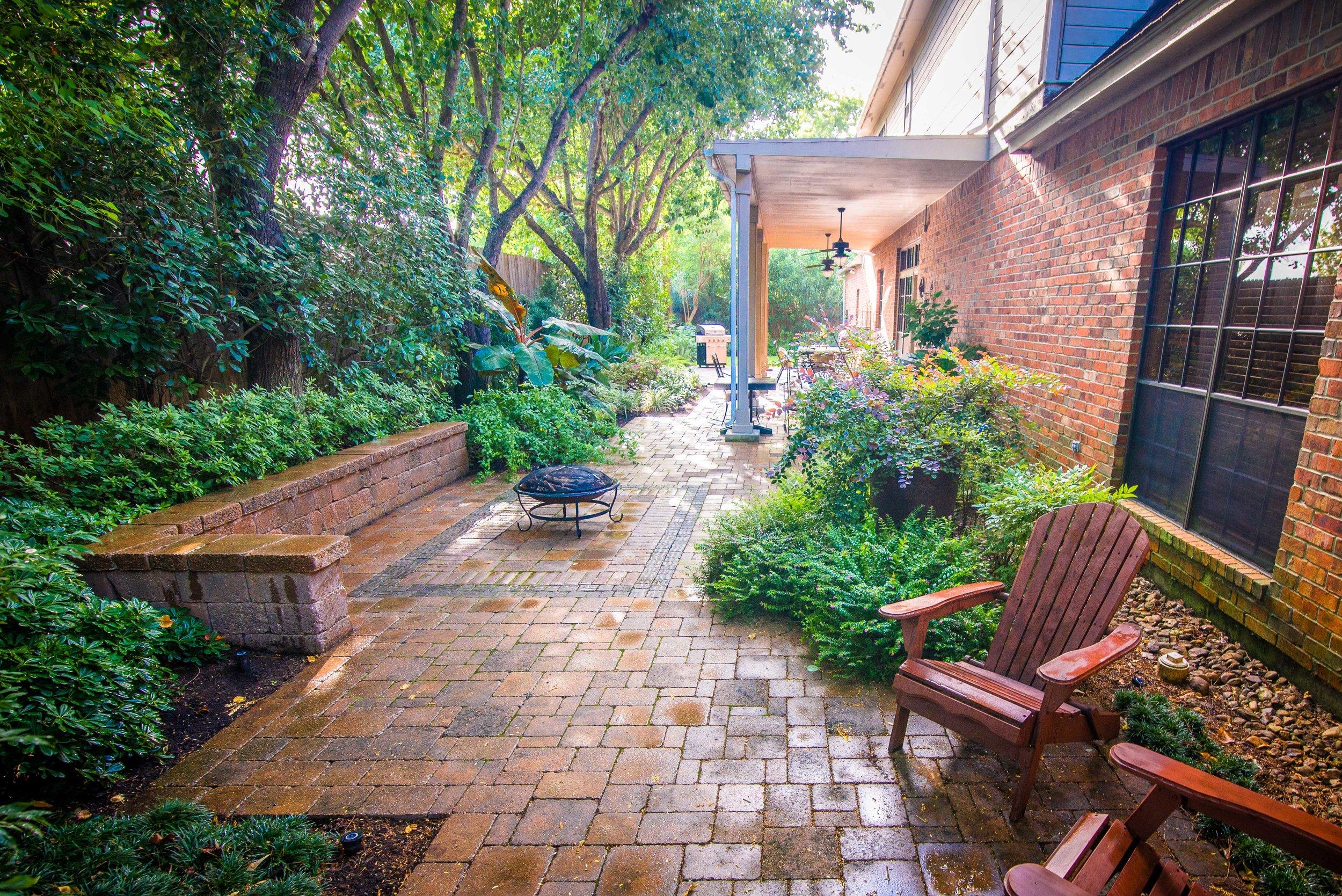 Mirror Lake Courtyards 9.jpg