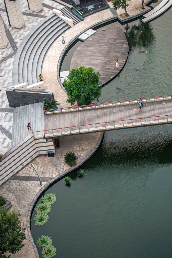Town_River_04
