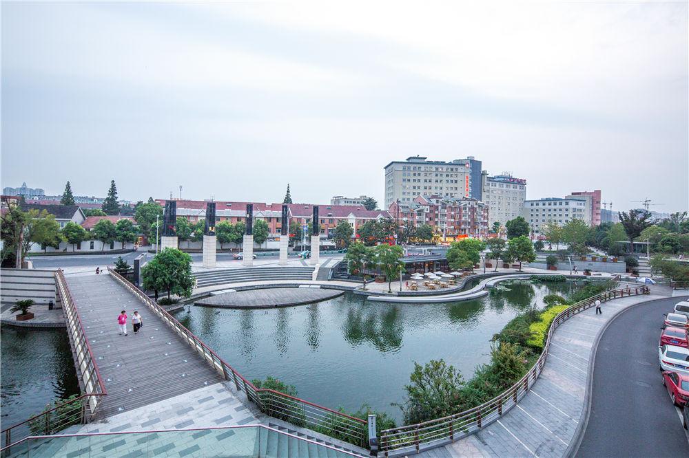 Town_River_05