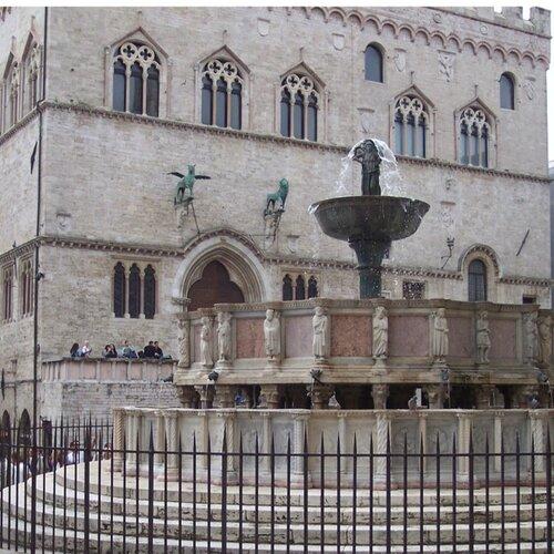 la fontana square pic.jpg