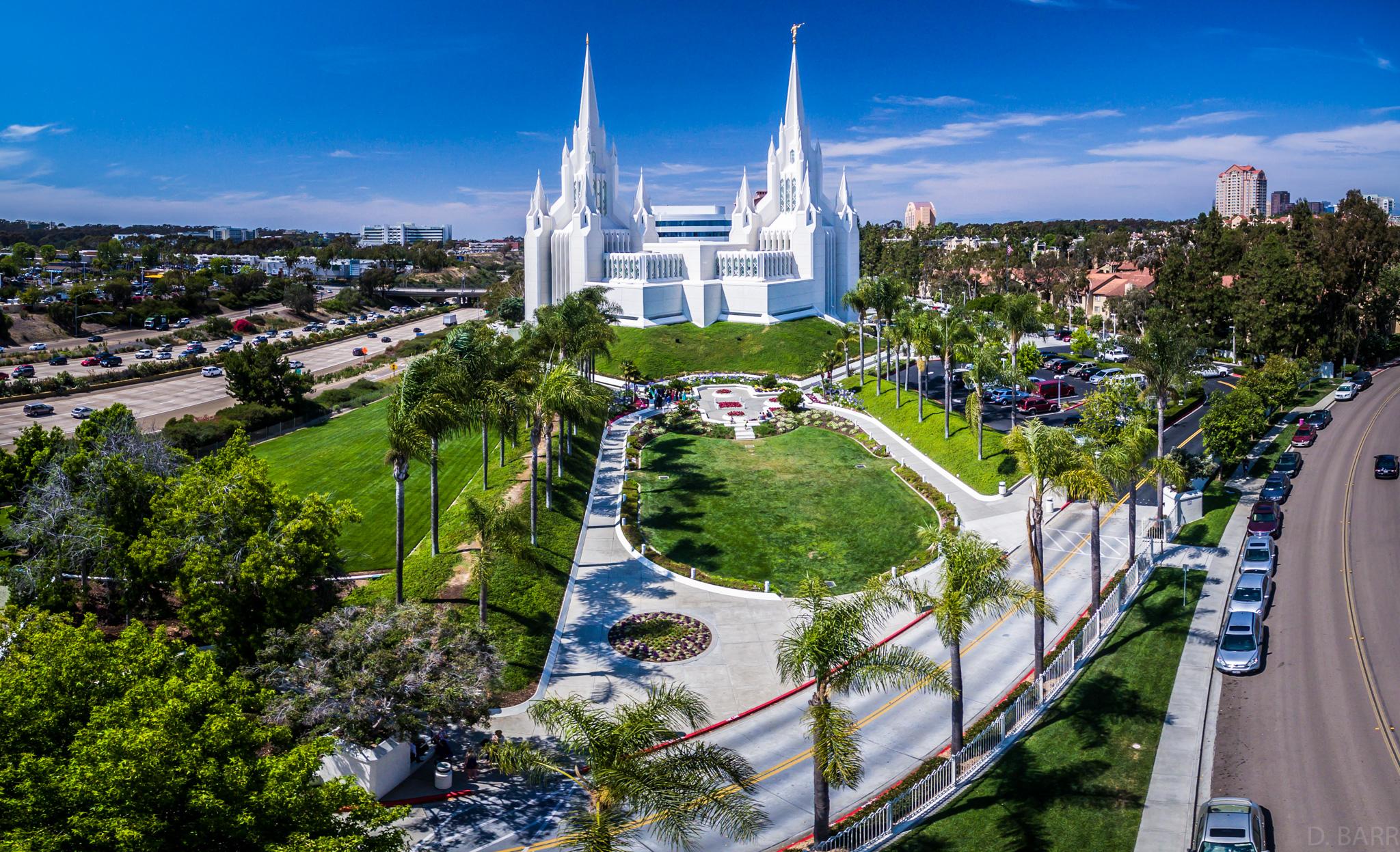Mormon Temple (La Jolla, Ca.) Pano shot)