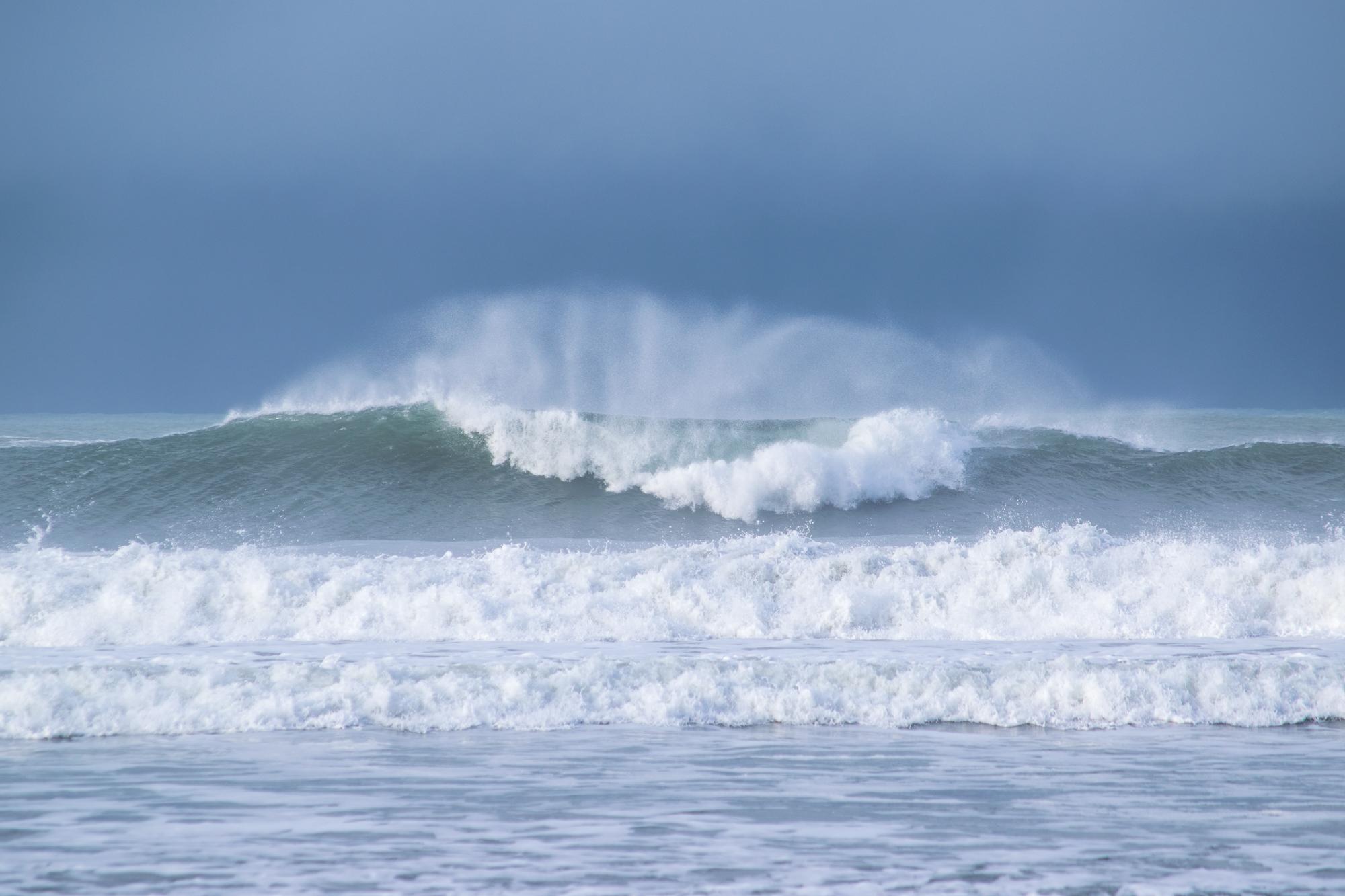 Anthem_ocean waves stock.jpg