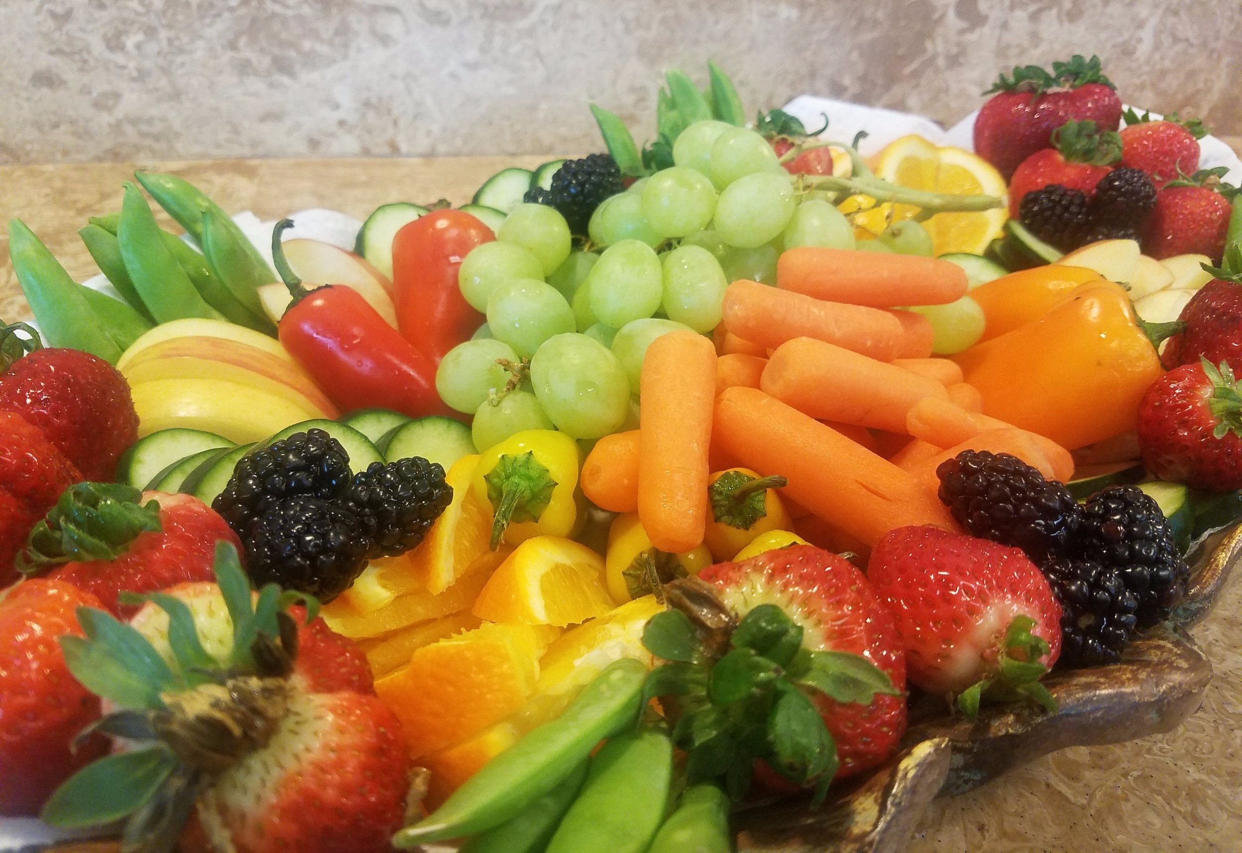 Colorful vegetable and fruit platter