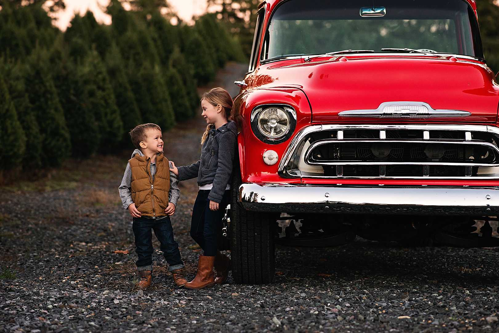 The Secret is Out! | Christmas Mini Sneaks| Stephanie Ratto Photography