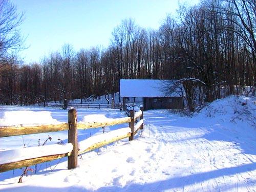 Activities-Cross-Country-Skiing_BREIA-warming-hut.jpg