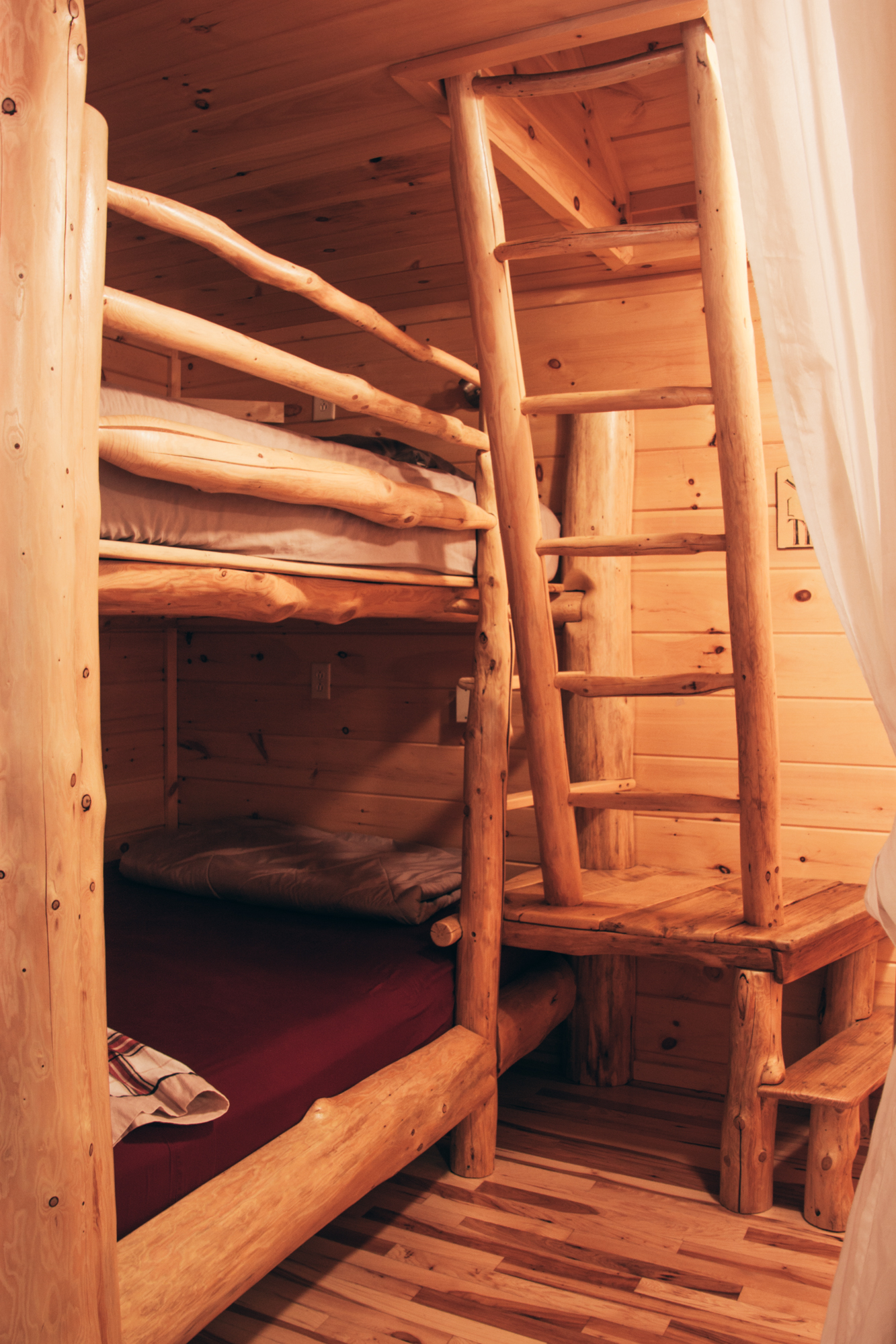 Wellnesste Lodge's cabin rentals are comfortable, clean and affordable.